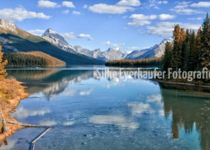 Maligne Lake, Jasper National Park, Alberta, Canada.